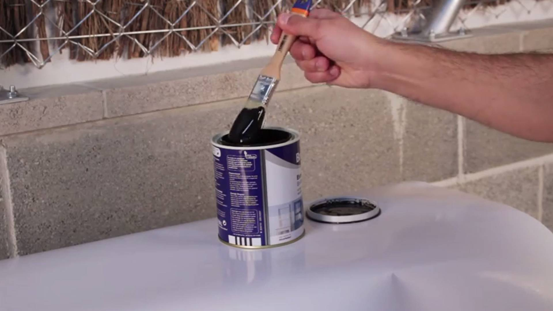 DIY Tips - How to avoid stain with a brush when dip into paint
